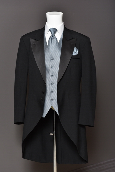 Tuxedo.ca - The Long DEMETRIOS Black Cutaway